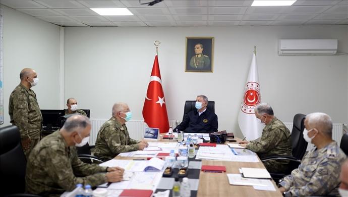"""Millî Savunma Bakanı Hulusi Akar: """"Fırat Kalkanı Bölgesinde Şu Ana Kadar 12 Teröristi Etkisiz Hâle Getirdik."""""""