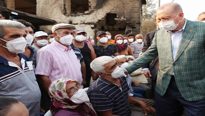 Cumhurbaşkanı Erdoğan, Manavgat'ta orman yangınlarından etkilenen vatandaşlarla bir araya geldi