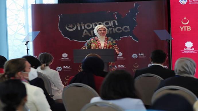 """Emine Erdoğan, """"Osmanlı'nın Amerika'sı"""" isimli belgesel filmin ABD'de düzenlenen tanıtımına katıldı"""