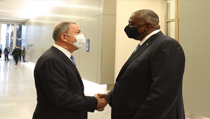 Millî Savunma Bakanı Hulusi Akar, Brüksel'de Lloyd James Austin ile Görüştü