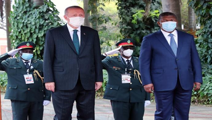 Cumhurbaşkanı Erdoğan, Angola Cumhurbaşkanlığı Sarayı'nda